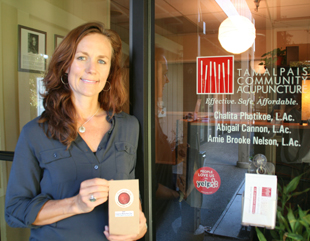 Acupuncturist Amie Nelson and Pure Puer Tea